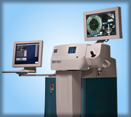 Machine for bladeless cataract surgery